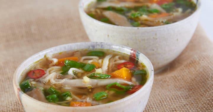 Asiatisk grønnsakssuppe