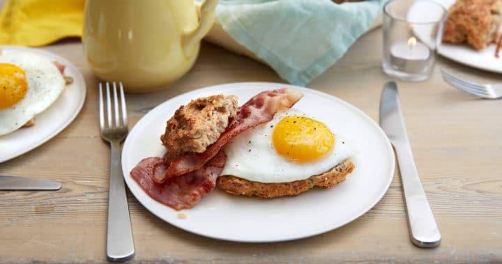 Frokostbriks med egg og bacon