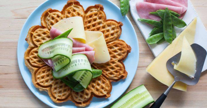 Grover vafler med ost og skinke