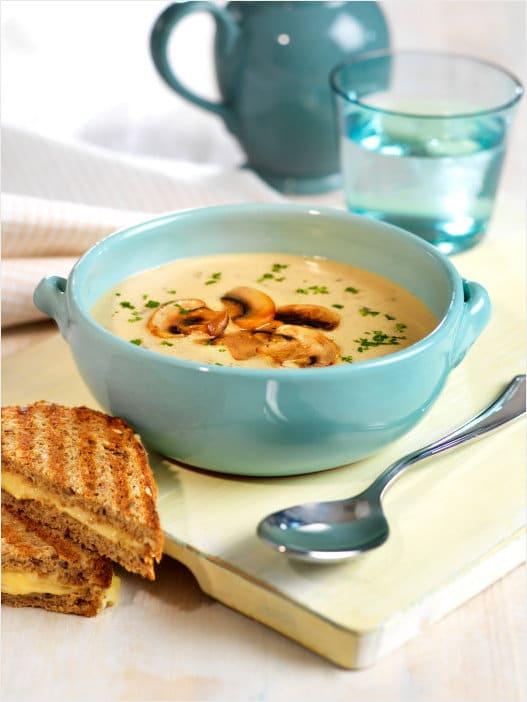 Kremet soppsuppe med toast